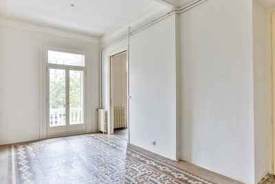 Big bright apartment in Barcelona on Paseo de Gracia